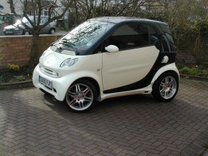 smart-fortwo-black-and-white