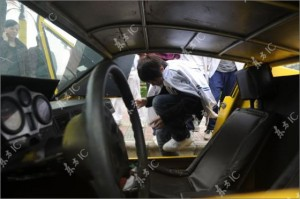 billiger-innenraum-sportwagen