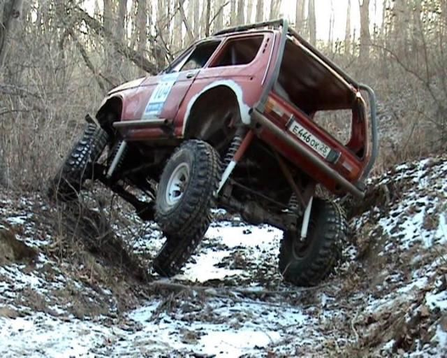 lada-monster-truck-in-trial-action