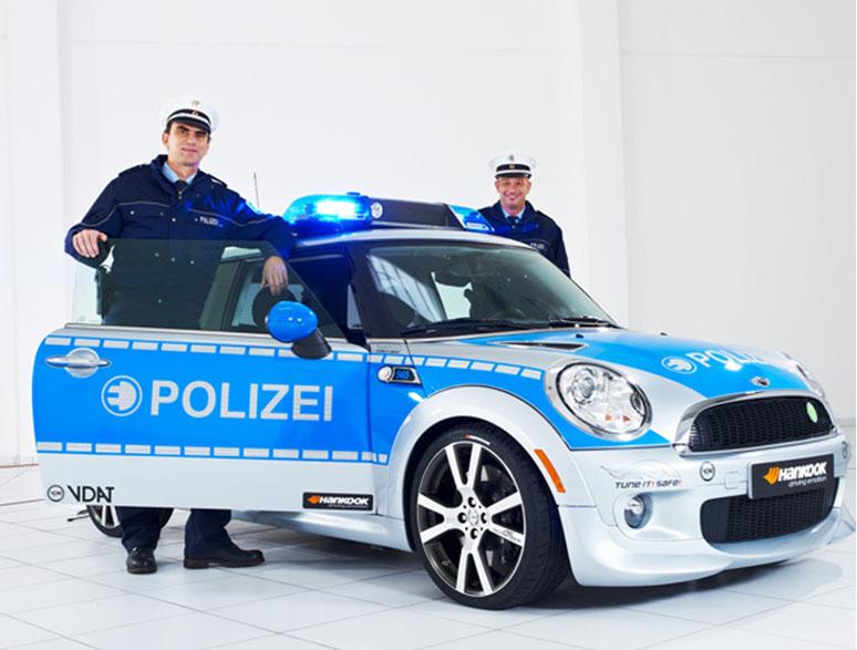 mini-elektro-polizeiauto