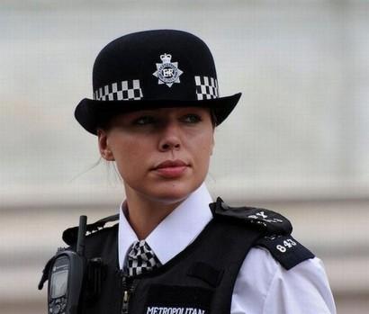 england-polizistin-bobby