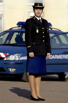 franzosische-polizistin-gendarmerie