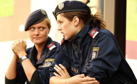 hubsche-osterreichische-polizistinnen