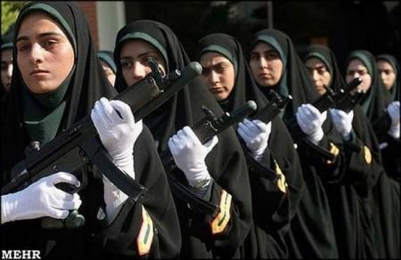 iranische-polizistinnen