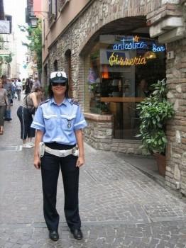 italienische-polizistin-carabineri-policia