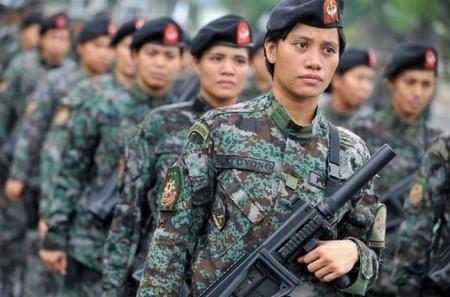 philipinnische-polizistinen