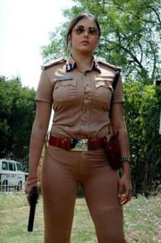 scharfe-polizistin