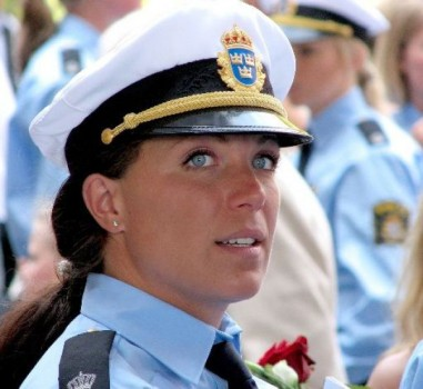 schone-polizistin