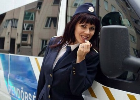 ungarische-polizistin