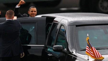 us-prasident-barack-obama-mit-limousine-cadillac