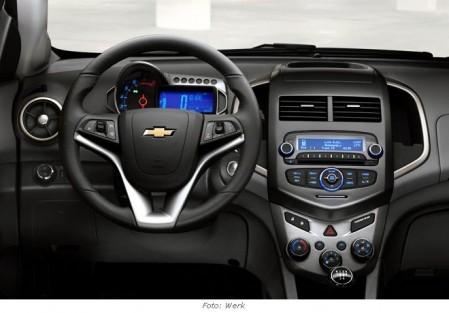chevrolet-aveo-2011-cockpit
