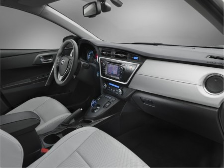 Toyota Auris Innenraum