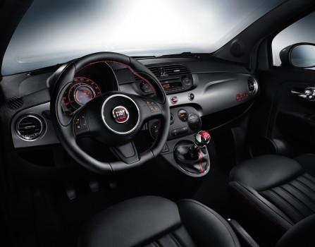 Fiat 500S Innenraum