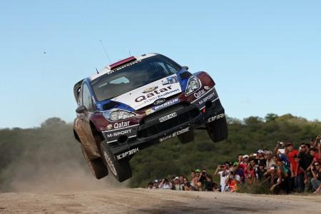 Novikov Minor Ford Fiesta Sprung Jump Argentinien Rallye