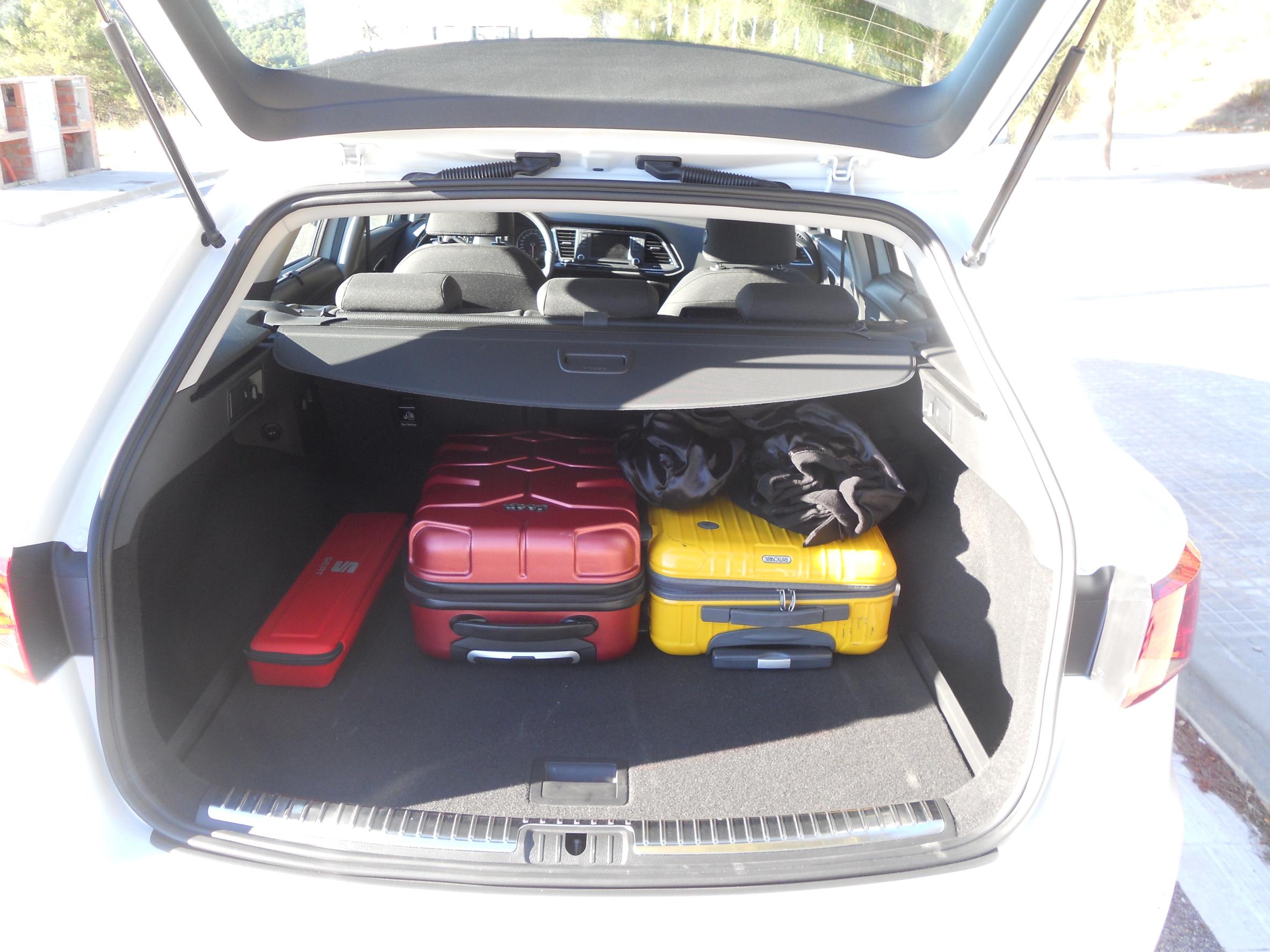 seat leon st ein richtiger ladek nstler billige autos infos news. Black Bedroom Furniture Sets. Home Design Ideas
