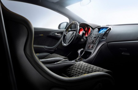Opel Astra OPC Extreme Innenraum