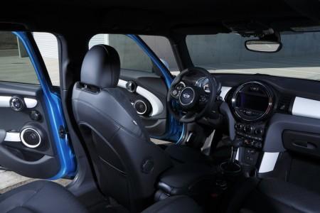 Mini Cooper Fünftürer Innenraum