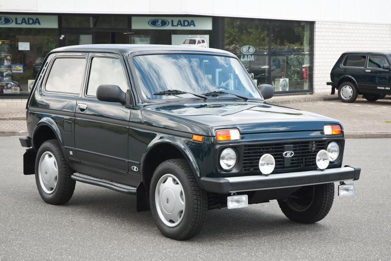 lada niva eine legende billige autos. Black Bedroom Furniture Sets. Home Design Ideas