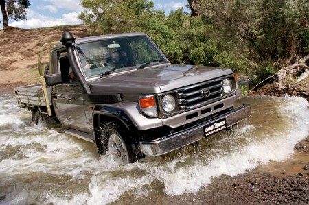 2001 Toyota LandCruiser 78 Series Turbo Diesel RV cab chassis Pickup