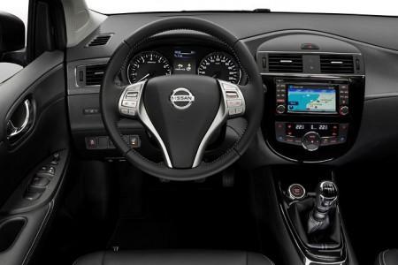 Nissan Pulsar Innenraum