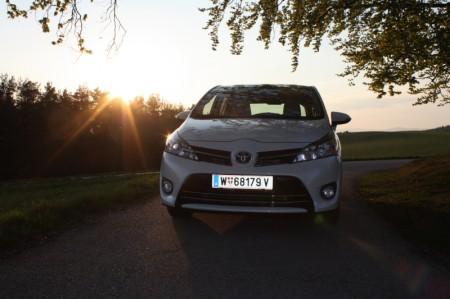 Toyota Verso Abendsonne