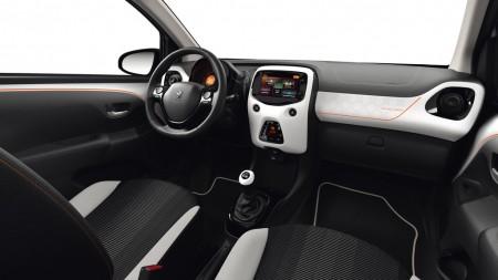 Peugeot 108 Roland Garros Innenraum
